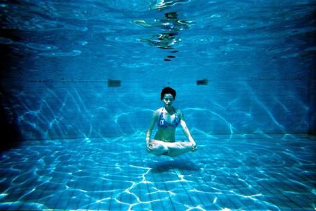 פראניאמה - מים כדימוי לאוויר, אם בתחושת המגע החיצונית וובזמן התנועה ואם בזמן הנשימה ובתחושה הפנימית. להפוך את האוויר למשהו סמיך יותר, כבד יותר, ויחד עם זאת צלול, טהור ומחייה.